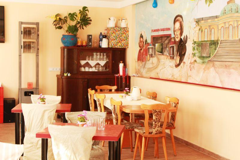 Frühstücksraum Zimmer am Filmpark